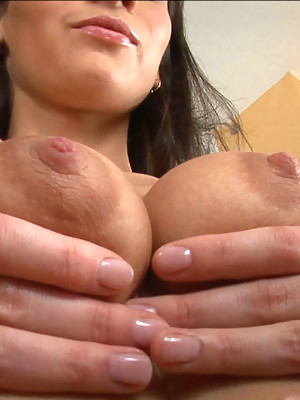 June works her pussy muscles out - image 2