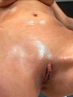 June works her pussy muscles out - image 5