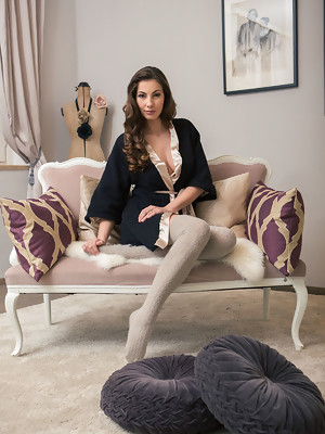 Josephine in Favorite mistress at Joymii - image 1