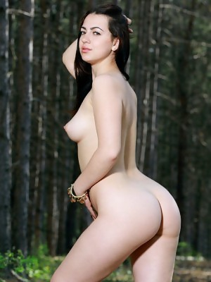 Newcomer Sivilla bares her luscious body and meaty ass in the forest