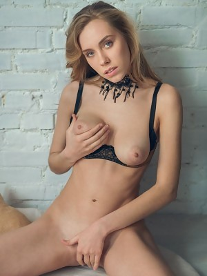 Ryana enjoys showcasing her long and slender physique as much as she loves masturbating in front of the camera