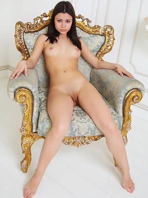Precious showcases perky tits and shaved vagina in Mirantaiu at Rylsky Art - image 7