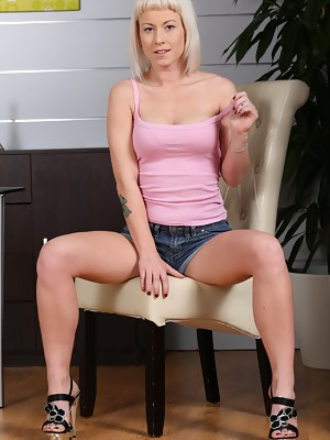 Gorgeous blonde Licky Lex toys both holes - image 1