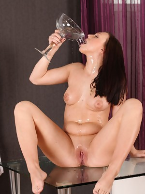 Babe with natural tits Morgan toys her piss soaked pussy - image 15