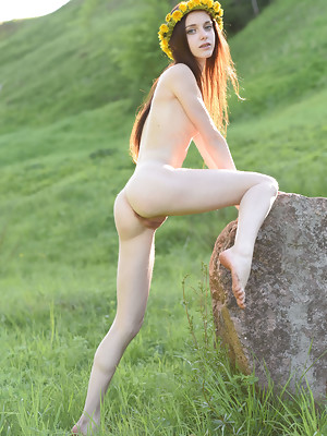Wonderful teen Lapa is filled with burning lust and she expresses it under the open sky - image 10