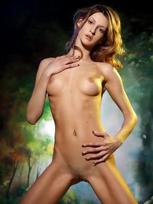 Wonderful princess Sharon is showing her slim naked body