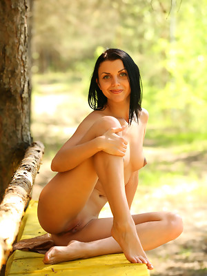 Dark nippled Macy poses outdoors and her body looks magnificent - image 10